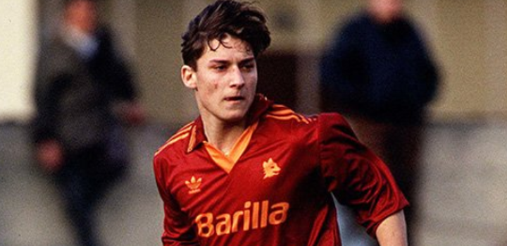 Long live the king! OTD in 1993, 16-year-old Totti made his debut for Roma 👑