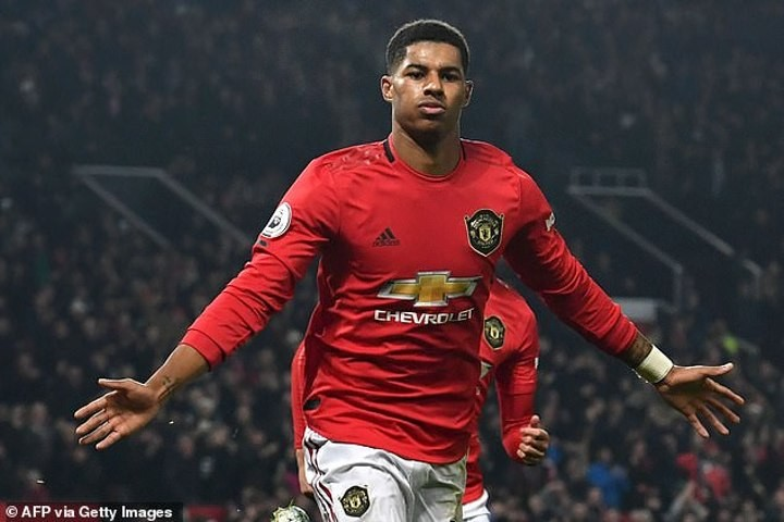 Manchester United star Marcus Rashford delivers positive update on recovery from back injury