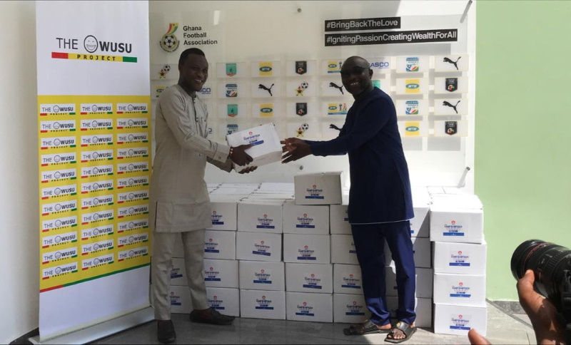 VIDEO: Al-Fayha star Samuel Owusu donates hand sanitizers to Ghana FA