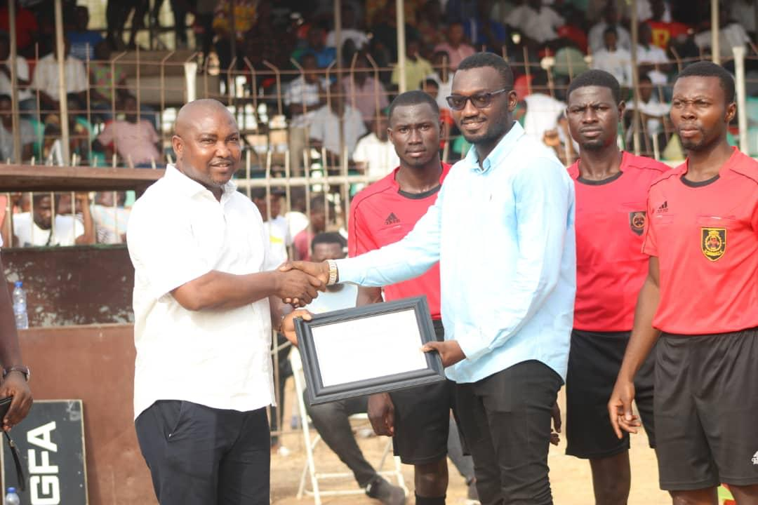 PHOTOS: Bono Ahafo RFA honours fan who saved life of BA United player during Cup match