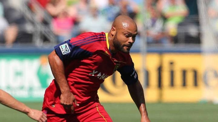 American defender Russell becomes doctor due to coronavirus