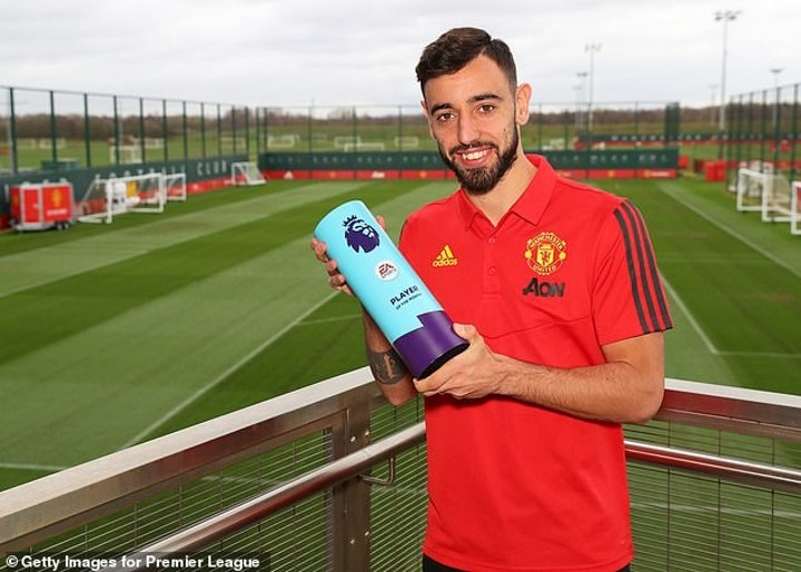Man Utd legend Bryan Robson heaps praise on Bruno Fernandes and his early impact