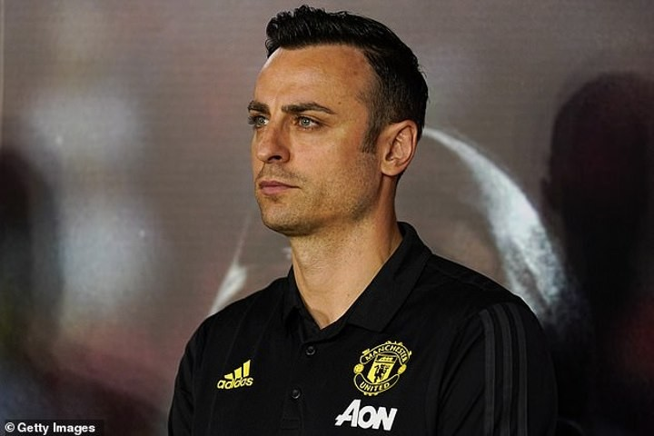 Berbatov says Liverpool are worthy of PL glory if season cannot be completed