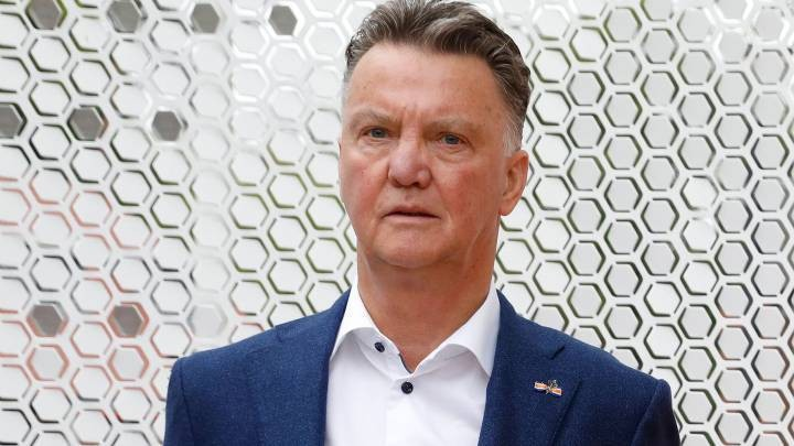 Van Gaal criticizes suggestions that reigning champions retain their title