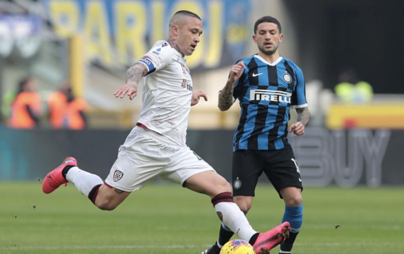 Fiorentina in talks to land Inter midfielder
