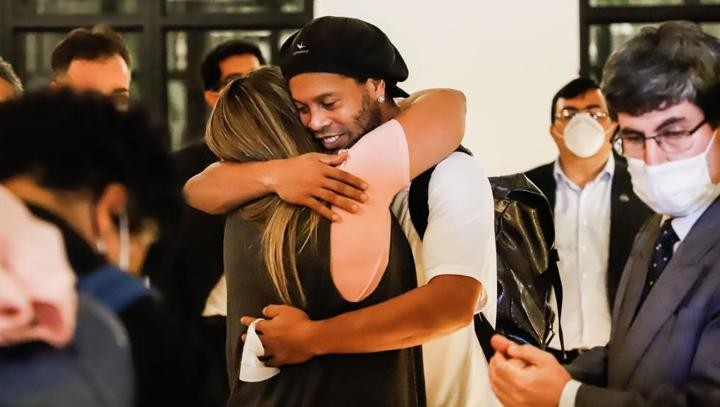 Ronaldinho's lawyer gives more details of his release from prison