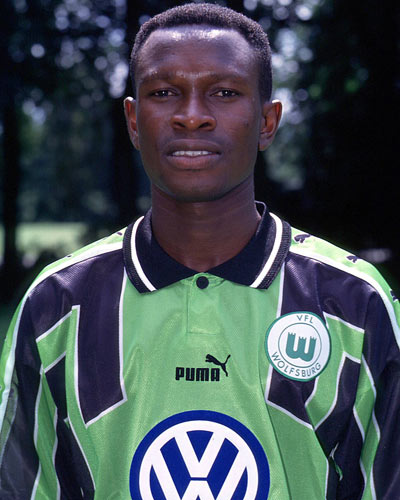 VIDEO: Watch Ghana coach CK Akonnor's superb chip for Wolfsburg 20-years ago in Thursday throwback