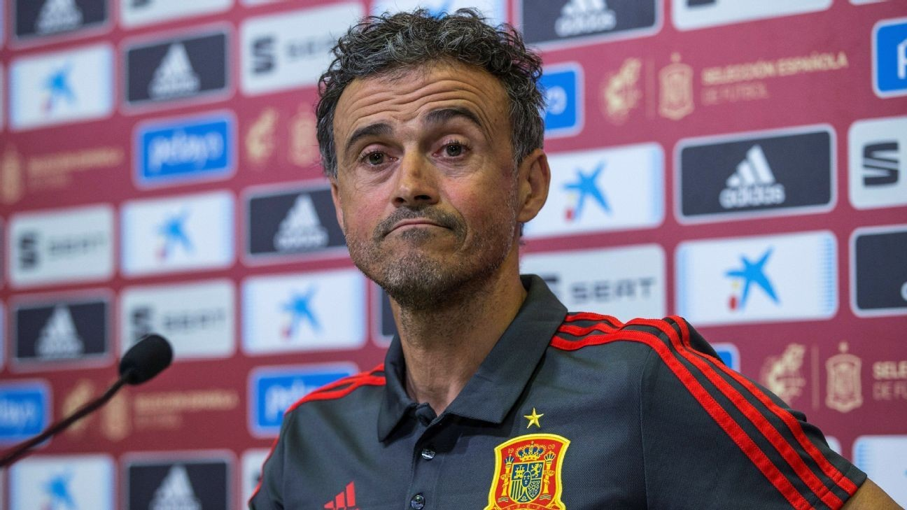 Spain boss Luis Enrique: No fans sadder than dancing with sister