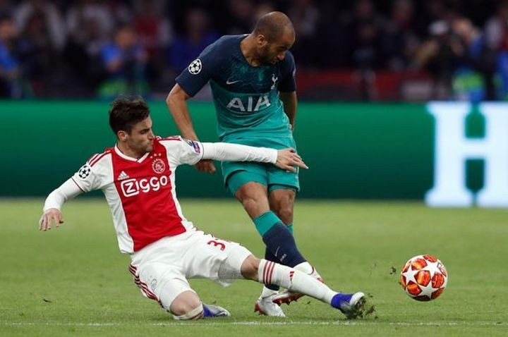 Arsenal chasing £20m Ajax star Tagliafico with left-back open to transfer (Sun)