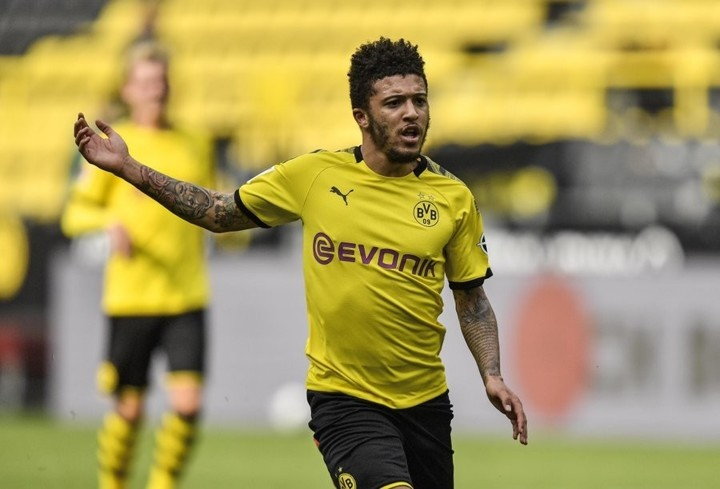30 Bundesliga goals involved! Sancho sets record with his 16th league assists