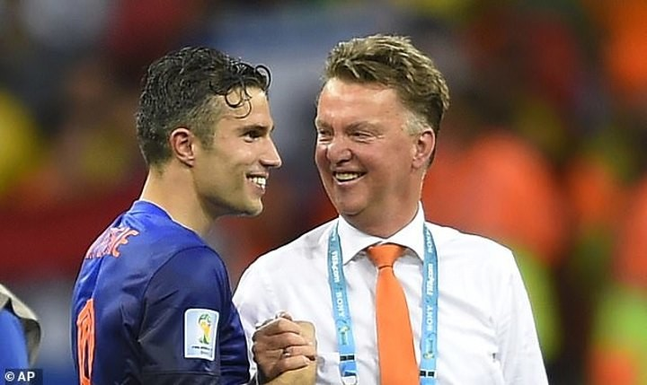 Van Persie reveals Van Gaal SLAPPED him during 2014 World Cup