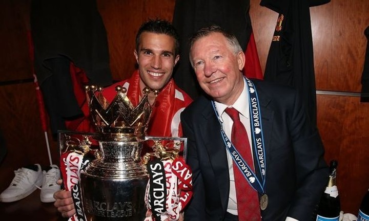 Van Persie snubs Wenger as he says Ferguson was best manager he worked with