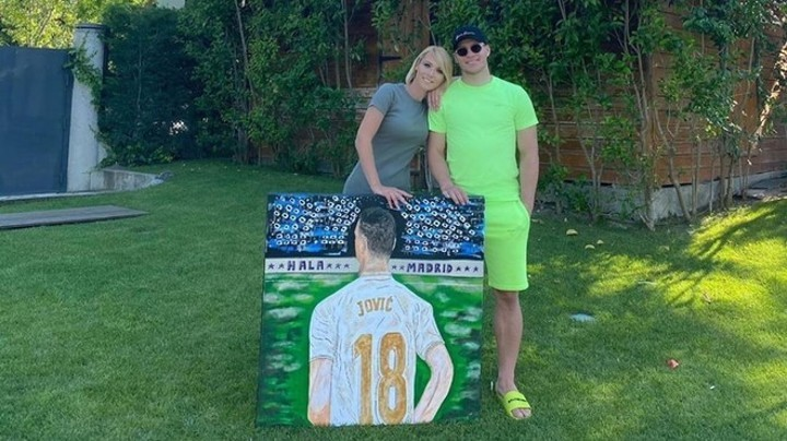 Jovic shares a piece of artwork to show his love for Real Madrid