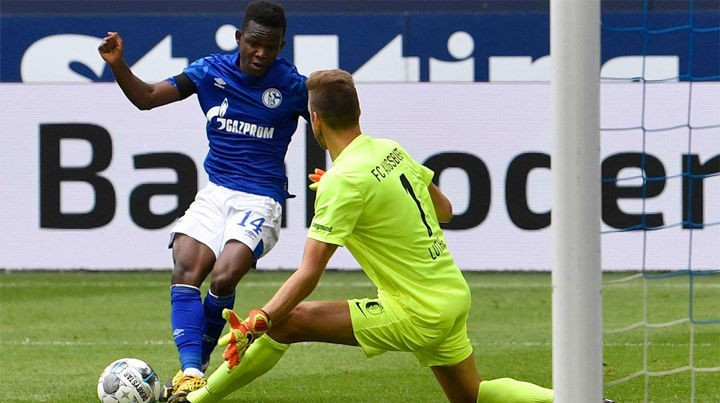 Real Madrid 'monitoring 19-year-old Schalke forward Matondo'