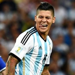 MAN. UNITED keeping stakes high on ROJO's permanent move to Estudiantes