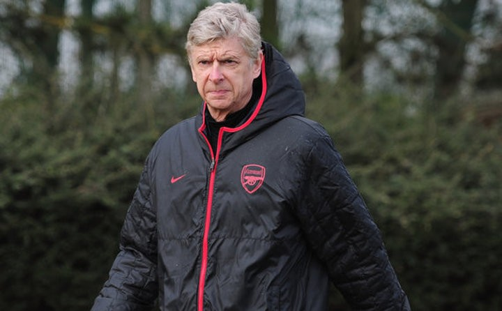 'Wenger hid and watched Arsenal training sessions'