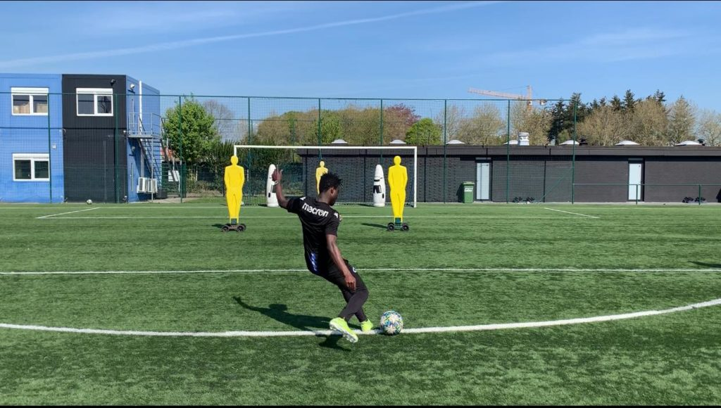VIDEO: Club Brugge winger Eric Appiah resort to set piece practice in the absence league action