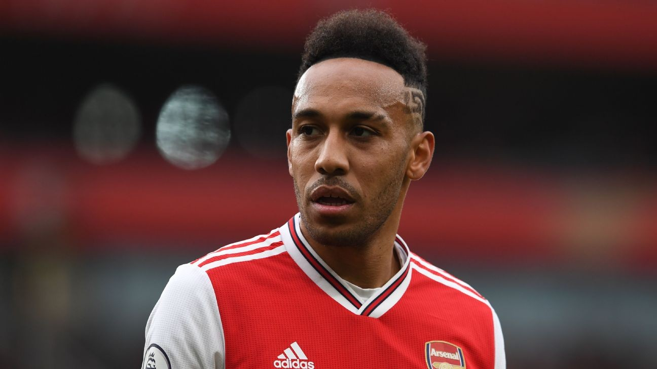 Arsenal yet to offer Aubameyang new deal - sources