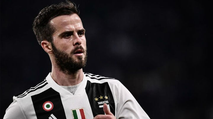 Barca has always been dream for Pjanic though he likes Zidane, says his friend