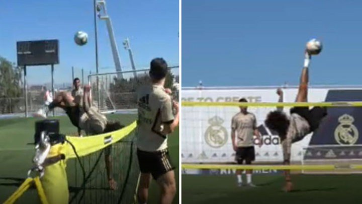 Marcelo shows off in football tennis