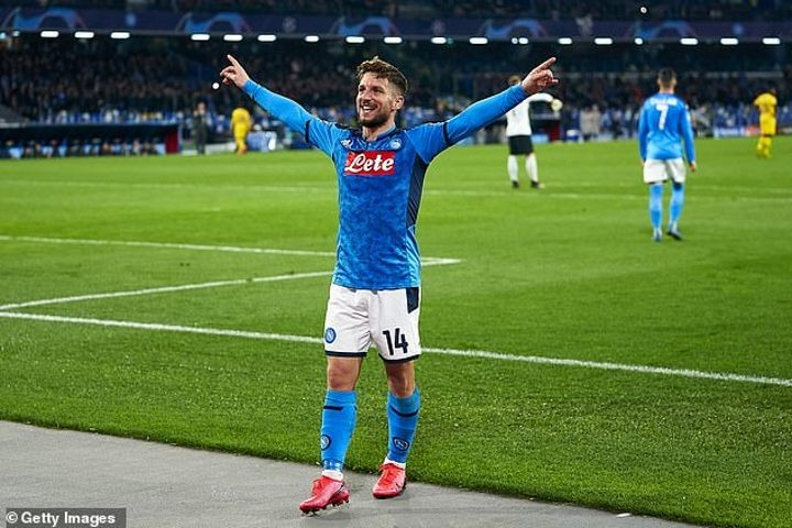 Dries Mertens 'to sign new Napoli contract until 2022'