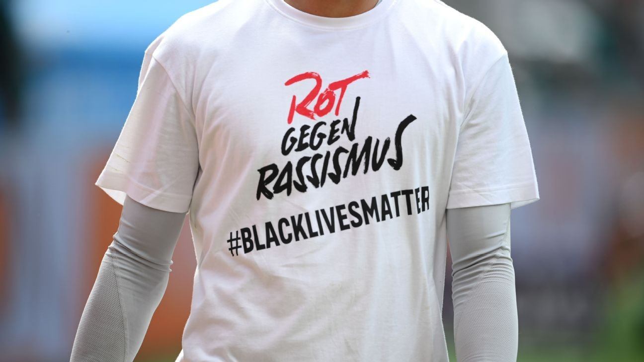 Bayern, Dortmund in Black Lives Matter tribute with T-shirts, armbands and minute silence