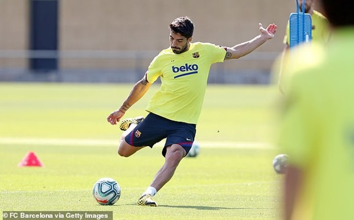 Luis Suarez cleared to make LaLiga comeback next week, five months after undergoing knee surgery