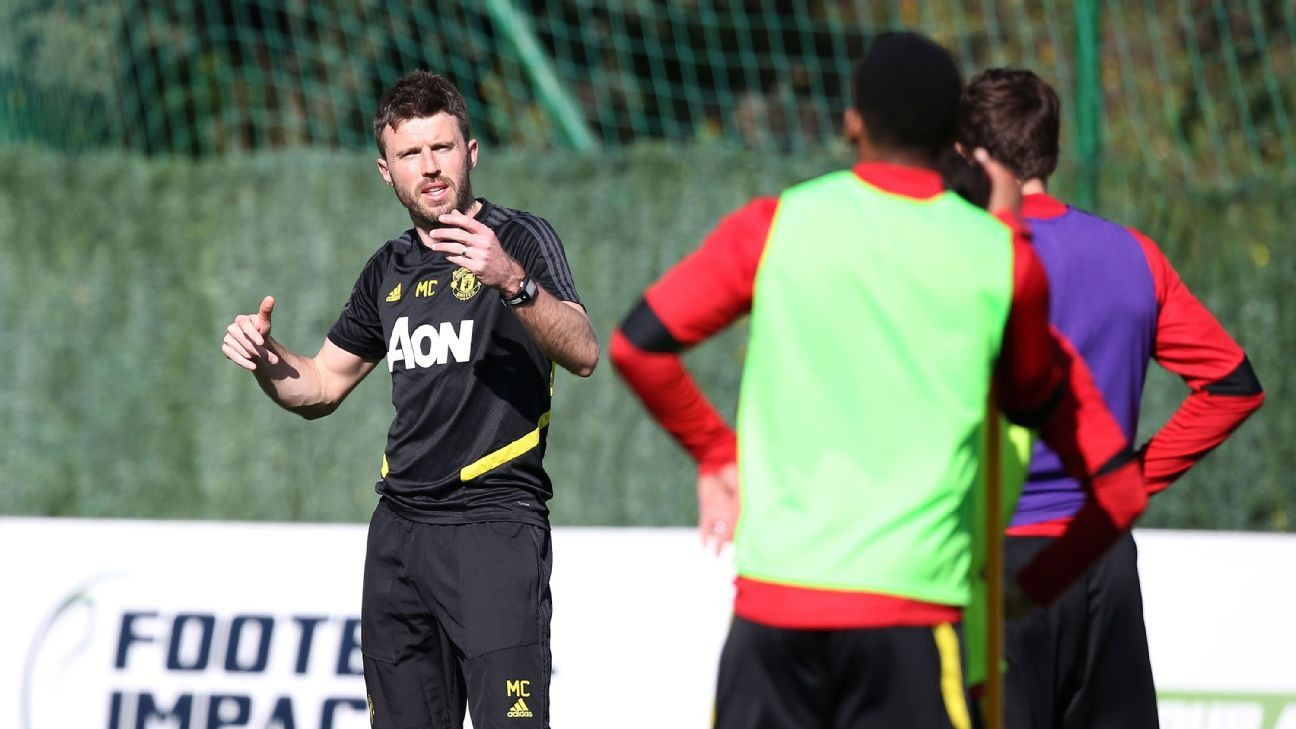 Carrick teaches the way forward, on and off the pitch