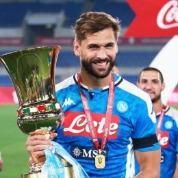 NAPOLI - An unexpected suitor for LLORENTE