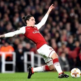 PSG target BELLERIN wants to tie the knot