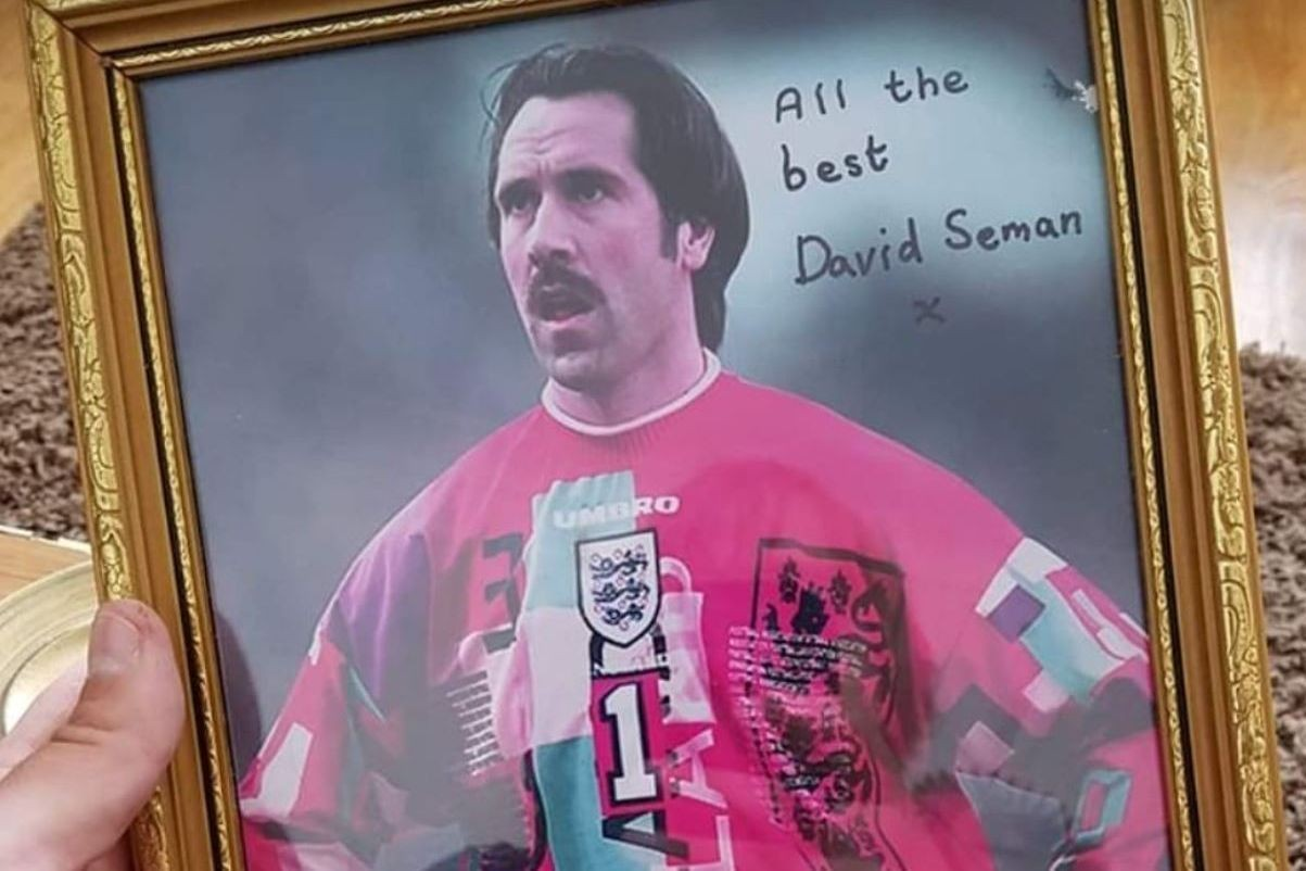 'Signed by who???!!!!': Arsenal legend Seaman calls out fake autograph seller