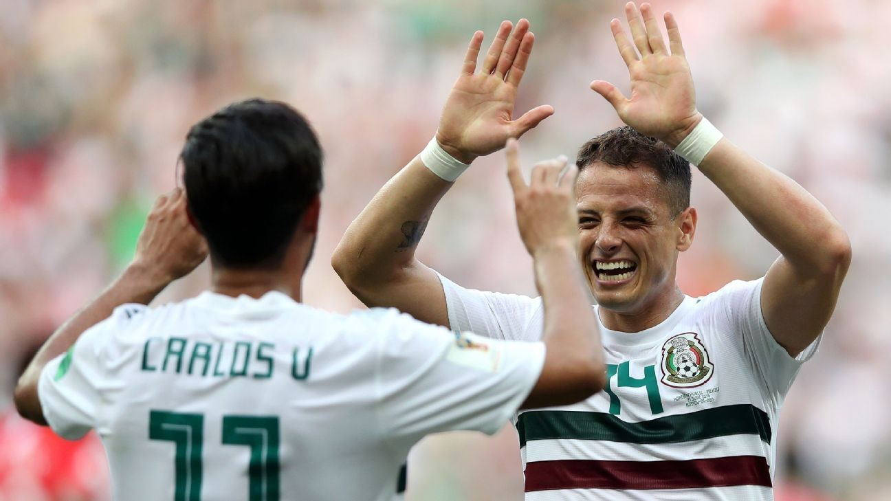Chivas approached Vela, 'Chicharito' over return