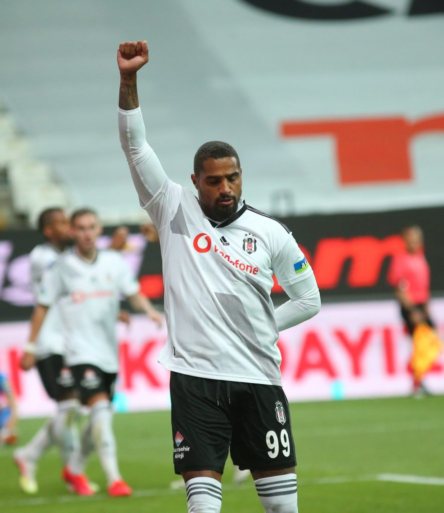 Kevin-Prince Boateng climbs off bench to score for Besiktas against Kasimpasa