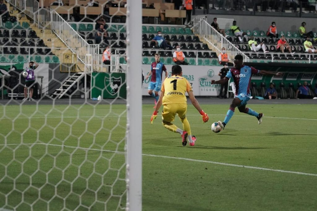 Caleb Ekuban grabs consolation for Trabzonspor in loss against Denizlispor
