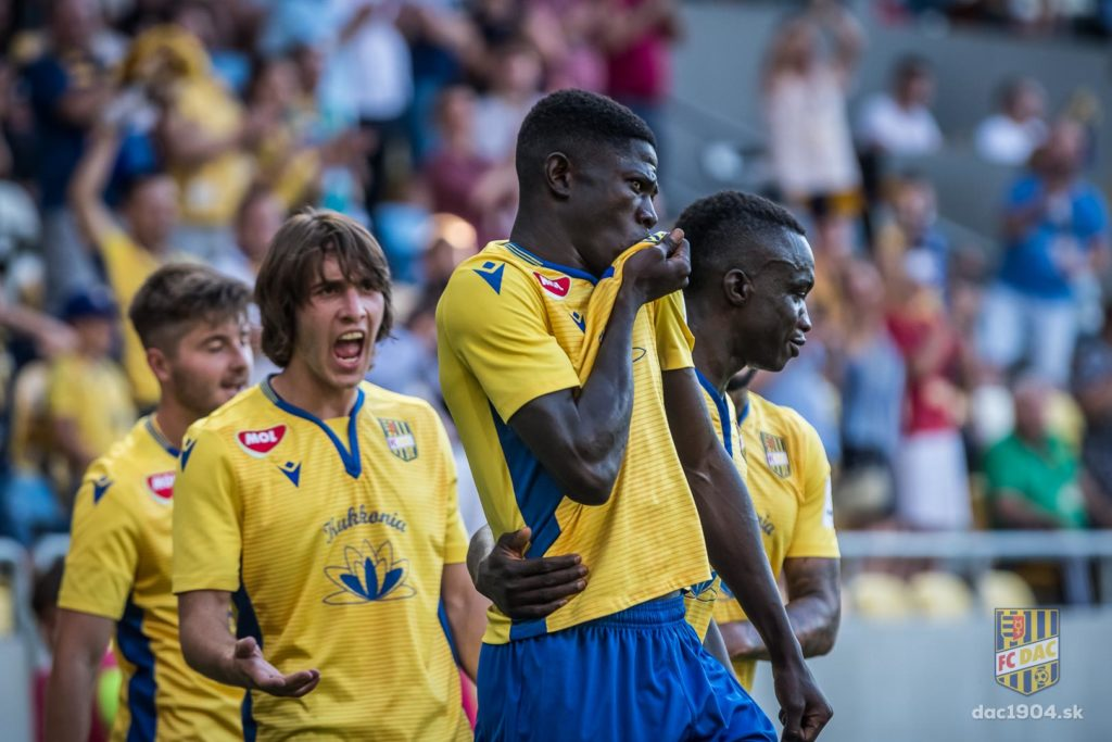 VIDEO: Ghanaian substitute Zuberu Sharani sublimely scores for DAC in Slovakian League