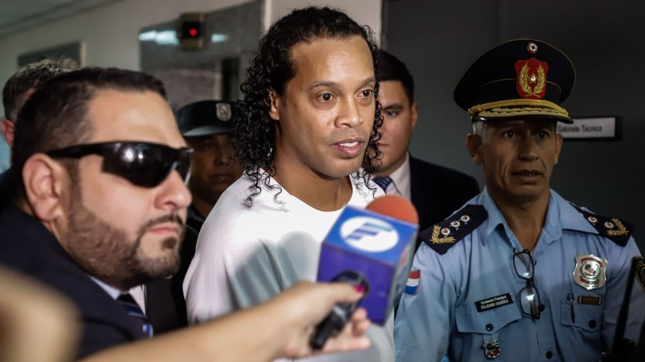 Ronaldinho set to leave Paraguay on Aug. 24
