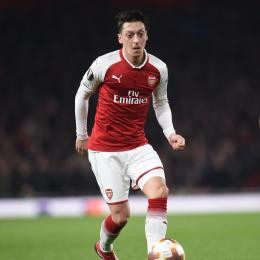 """ARSENAL -Ozil closes down speculation over his future: """"My position is clear"""""""