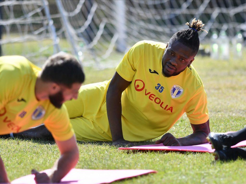 Amidu Salifu's FC Petrolul Ploiești debut delayed by work permit issue
