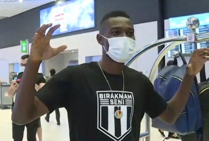 VIDEO EXCLUSIVE: Ghana midfielder Bernard Mensah arrives in Istanbul to join Besiktas