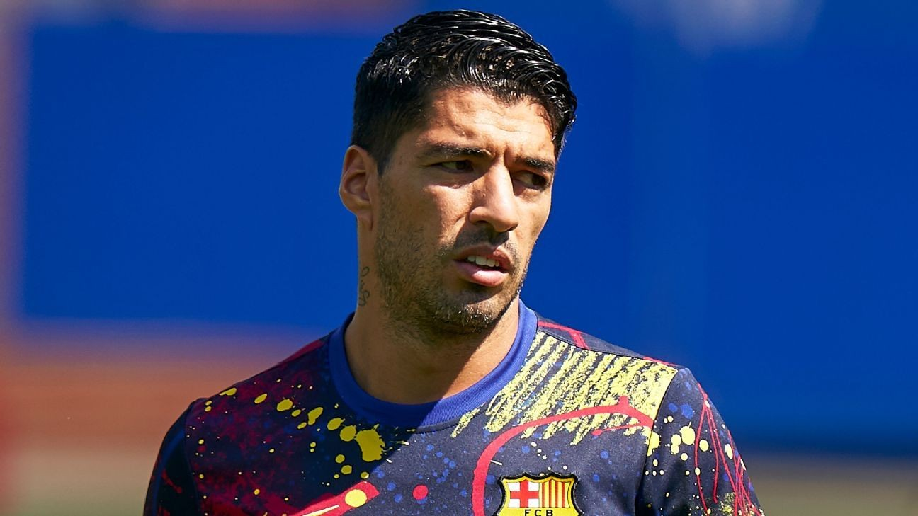 Suarez unlikely to join Juve from Barca - Pirlo