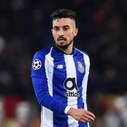 MAN. UNITED agree all terms with Alex TELLES. Talks with Porto ongoing