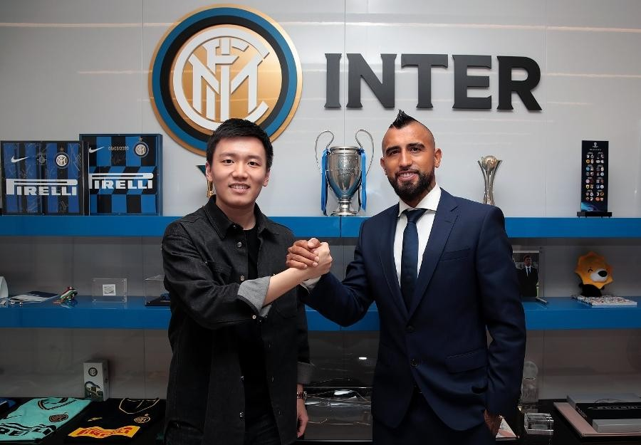ARTURO VIDAL JOINS INTER