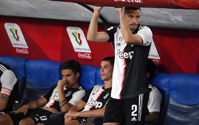 Barcelona eye Juventus defender as Semedo replacement