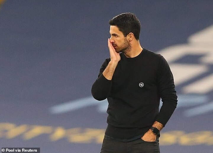 Mikel Arteta reveals his furious reaction after VAR failed to review Kyle Walker's high challenge