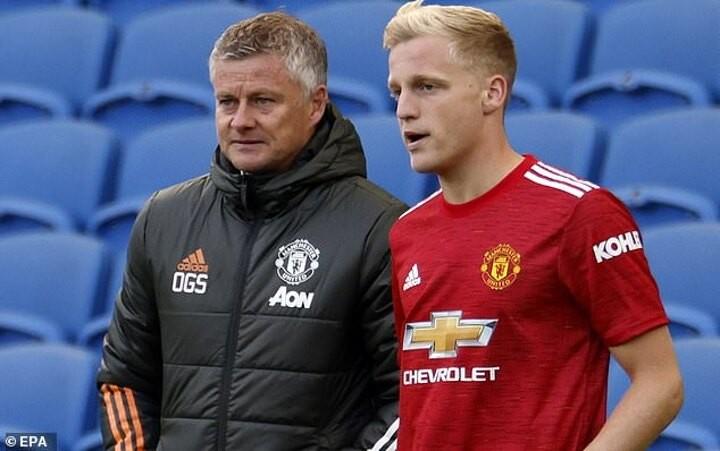 Ole Gunnar Solskjaer insists Donny van de Beek will start in the coming weeks