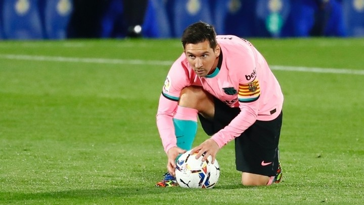 Barcelona go into crunch games without Messi on top form