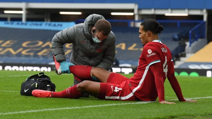 Van Dijk vows to return better than before after knee surgery