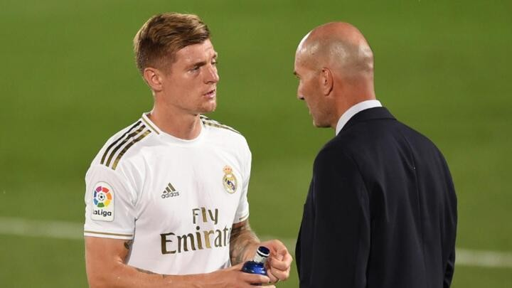 Kroos defends Zidane as Real Madrid boss weighs up Hazard return