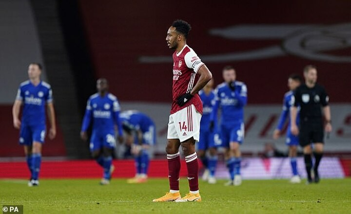 Arsenal's Pierre-Emerick Aubameyang is ineffective on wing, Mikel Arteta needs to play him centrally