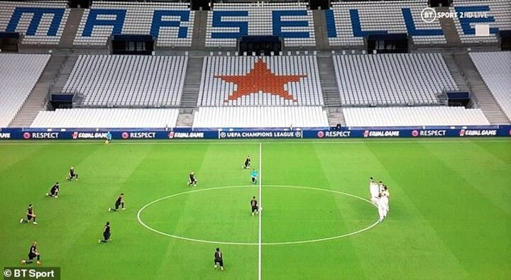 'Absolutely disgraceful': Marseille players blasted for not taking the knee